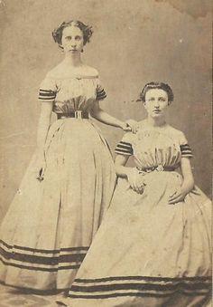 CDV PHOTO 2 BEAUTIFUL YOUNG SISTERS IN MATCHing WHITE DRESSES CIVIL WAR ERA