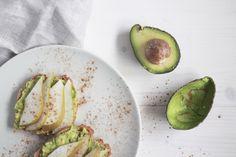 Die Avocado wird oft wegen ihres hohen Fettgehalts gemieden. Völlig zu unrecht! Sie schmeckt nicht nur richtiggut und macht alles unwahrscheinlich cremig, sie ist dazu auch noch richtig gesund. Si…