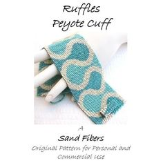 Ruffles Peyote Cuff   For Personal AND Commercial por SandFibers, $15.00