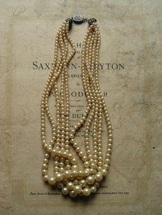 Collar de Perlas.