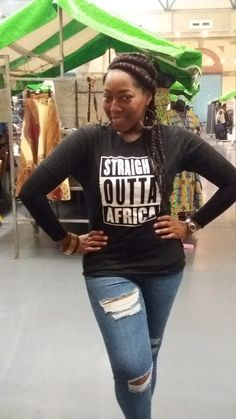 3581c4b8d631 Straight Outta Afrique T-Shirt 100 % coton T-Shirt unisexe La couleur est