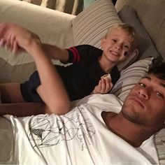 Find images and videos about ❤, ًًًًًًًًًًًًً and neymar on We Heart It - the app to get lost in what you love. Neymar Jr, Soccer Couples, Soccer Guys, Cute 13 Year Old Boys, Young Cute Boys, Best Football Players, Soccer Players, Neymar Family, Hot Teenagers Boys