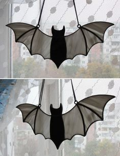 Stained Glass Bat Suncatcher Ornament by mabel Stained Glass Suncatchers, Stained Glass Crafts, Stained Glass Designs, Stained Glass Patterns, Stained Glass Windows, Stained Glass Ornaments, Stained Glass Birds, Halloween Window Decorations, Adornos Halloween