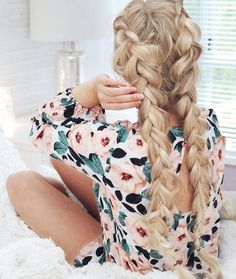 Your hair is your best accessory. I am back with Valentine's Day inspiredhair tutorialto help you always feel your best & look amazing. Read the steps below and then let me know in the comme…