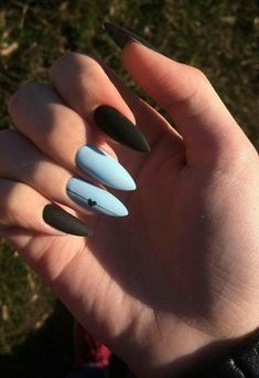 Image about style in Elisa's Top Nail Art. Black And Blue Nails, Acrylic Nails Coffin Short, Simple Acrylic Nails, Almond Acrylic Nails, Best Acrylic Nails, Frensh Nails, Edgy Nails, Grunge Nails, Stylish Nails