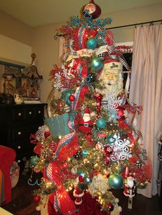 People Decorating A Christmas Tree christmas tree decorating ideas - sow & dipity | decortree