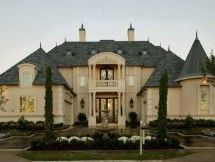 19 Chateau-Style Mansions That Will Make You Feel Like You Live In France