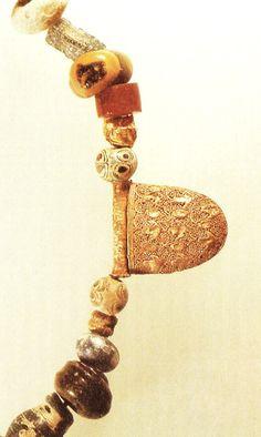 Collar de oro fenicio,hallado en la Peninsula Iberica,Toya Tugia,fechado en el siglo IV ac