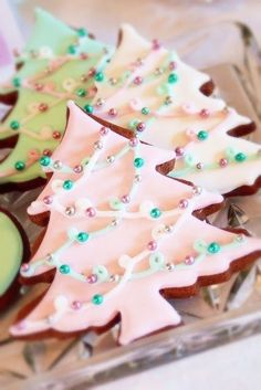 Christmas tree cookies~ By sweet cupcakes and treats, pink Christmas Tree Cookies, Christmas Sweets, Christmas Cooking, Noel Christmas, Christmas Goodies, Holiday Cookies, Holiday Treats, Holiday Recipes, Pink Christmas