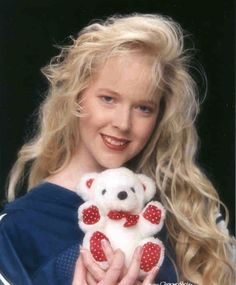 12 Ways To Achieve The Very Best Glamour Shot....this is cracking me up!