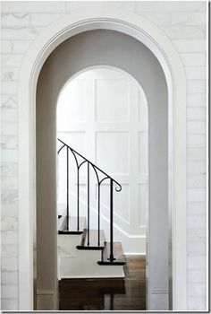 Things That Inspire: Iron stair rails One of my favorite iron stair rails, in a home with architecture by Rodolfo Castro (project architect while working at Summerour & Associates). The design is clean lined and so beautiful. Modern Stair Railing, Iron Stair Railing, Staircase Railings, Modern Stairs, Railing Design, Stairways, Indoor Railing, Iron Spindles, Wrought Iron Staircase
