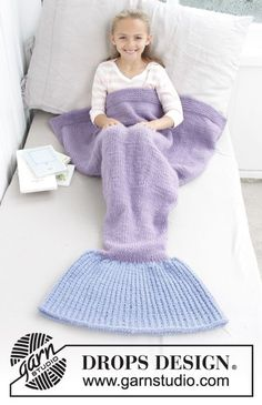 Cute Mermaid Blanket / DROPS Children 28-12 - Strikket havfrue-teppe til barn. Størrelse 3-14 år. Arbeidet er strikket nedenfra og opp i DROPS Eskimo