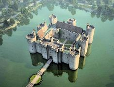 Bodiam Castle, England Abandoned Castles, Abandoned Buildings, Abandoned Places, Chateau Medieval, Medieval Castle, Castle Ruins, Castle House, Beautiful Castles, Beautiful Places