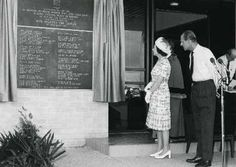Queen and Prince Phillip inspect plaque to Cyclone Tracy victims