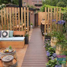 Garden Design Backyard - New ideas Eco Garden, Garden Pool, Garden Landscaping, Home And Garden, Back Gardens, Small Gardens, Outdoor Gardens, Built In Garden Seating, Garden Design Plans