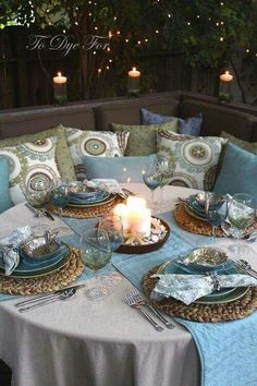 Beach style table scape