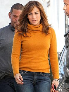 Love this layered cut. Great for fall! GIRL NEXT DOOR photo | Jennifer Lopez