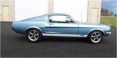 Ford Mustang Fastback 1968 - I love the colour
