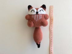 Eric the fox and his family amigurumi crochet pattern by Madelenon