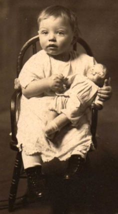 Google Image Result for http://www.antiquedolls-collectors-onlineadvisors.com/images/Uncle-Frank-with-Campbell-Kid.jpg