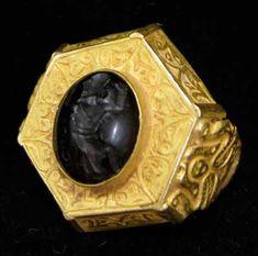 Ottoman Hexagonal Gold Ring Featuring a Seal Depicting a Figure - OS.162 Origin: Turkey Circa: 16 th Century AD to 18 th Century AD