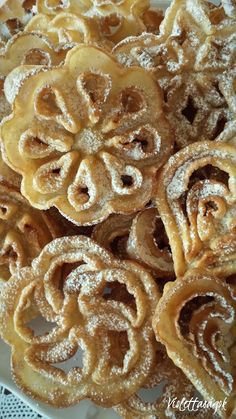 Boldogi nagyrózsa Hungarian Cake, Bakery Recipes, Apple Pie, Donuts, Waffles, Deserts, Cookies, Breakfast, Food