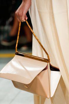 3340160bfc2c Marni Spring Summer 2019 Ready To Wear-ready Woman Vogue Runway Bag Trend -  Read