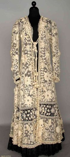 Irish lace coat, ca. 1900 - features raised petal blossoms, soutache trim, small crochet balls around perimeter & hem, cord tie w/ crochet strawberries. Moda Vintage, Vintage Mode, Vintage Outfits, Vintage Dresses, Antique Clothing, Historical Clothing, Irish Crochet, Crochet Lace, Crochet Coat