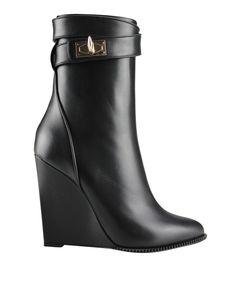 Givenchy Low Shark Lock boots   Lindelepalais.com 15786