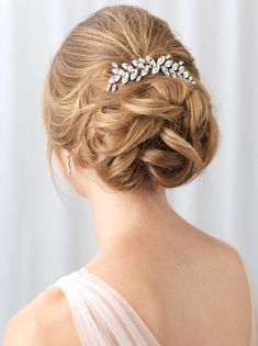 Shop backpieces for your wedding hairstyle. Bridal hair comb features a simple, elegant design of marquise rhinestones in a floral vine. Perfect for accenting any bridal hairstyle in the back of the hair, this hair piece is available in silver. Floral Wedding Hair, Short Wedding Hair, Hair Comb Wedding, Bridal Hair, Bridal Comb, Updos For Wedding, Hair Styles For Wedding, Elegant Wedding Hair, Wedding Dress