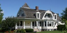Grant Park Golf Clubhouse  Historic farm home from the late 1800's. Great fish fries in Summer. Available to rent in the winter.