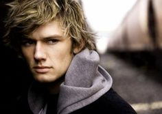 alex pettyfer... for all you who didn't know HE'S BRITISH which makes him even more attractive