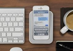 Bluelounge Saidokā iPhone 5 dock