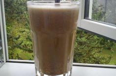 Kaffe med mandelmælk