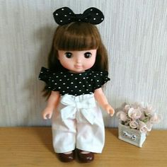 Girls Dresses, Flower Girl Dresses, Minne, Doll Clothes, Baby Shoes, Dolls, Wedding Dresses, Face, Kids