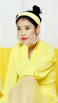 Iu Twitter, Warner Music, Iu Fashion, Beautiful Friend, Korean Actresses, Blackpink Jisoo, Anna, Celebs, Celebrities