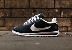 new product 4d96e 8106b Découvrez une Nike Cortez Ultra  Black White Volt  (homme), une running
