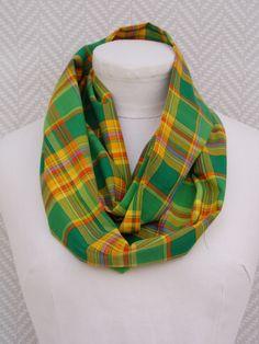 Echarpe, snood madras vert et jaune . Pièce unique   Echarpe, foulard,  cravate 515006b4160