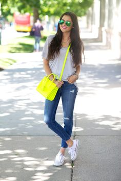 How to wear converse outfits casual street styles 24 Ideas Outfits With Converse, Casual Outfits, Cute Outfits, Pink Converse, Dress Casual, How To Wear White Converse, White Chucks, Neon Outfits, White Sneakers