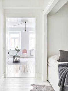 white and bright interior, Muuto Visu chair in pink