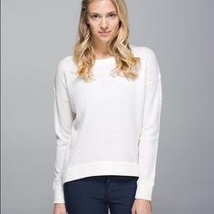 Yogi Crew Sweater (lululemon athletica) $90 Yogi Crew Sweater (lululemon athletica) $90 size 6... Cream/oatmeal...Worn once... New condition... No flaws...no trades please! lululemon athletica Sweaters Crew & Scoop Necks