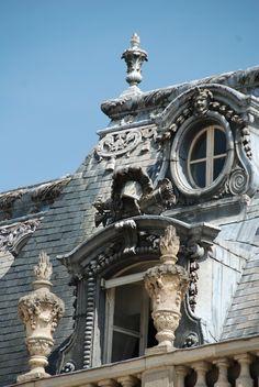 Parisian Penthouse >> Photos: (link) #Paris #rent @Slaterns