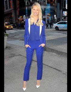 Les people portent tendances printemps 2013 tailleur pantalon Karolina Kurkova