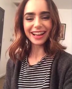 Lily Collins Facebook live Lilly Collins Short Hair, Lily Collins Hair, Phil Collins, Braids For Short Hair, Short Hair Styles, Attractive People, The Most Beautiful Girl, Love Hair, Woman Face