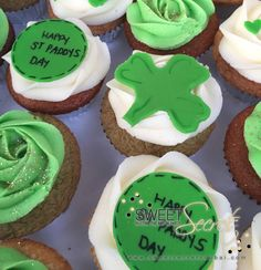 St. Patricks Day Cupcakes www.sweetsecretsdubai.com Happy St Paddys Day, Buttercream Cupcakes, Art Party, Sweet, Desserts, Food, Candy, Tailgate Desserts, Deserts