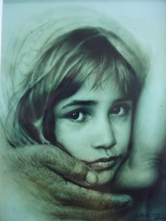 Charcoal drawing! Artist: Adoon Kitimoon. Amazing technique.