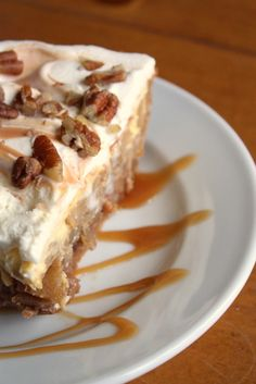 Caramel Apple Cheesecake Pie... i just gained 10lbs from looking at the pic... yummmy