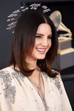Lana Del Rey from Best Accessories at Grammys 2018 – Madi Moench – Hair Red Lana Del Rey Grammy, Lana Del Ray, Lana Del Rey Love, Indie, Star Wars, Girl Crushes, Hair Goals, Red Hair, Hair Cuts