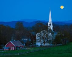 """""""Moonrise Over Peachum"""" by Michael Blanchette on 500px.  ❤️❤️❤️"""