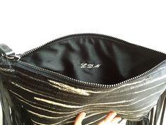 Un preferito personale dal mio negozio Etsy https://www.etsy.com/listing/276925942/personalized-your-handbag-with-initials